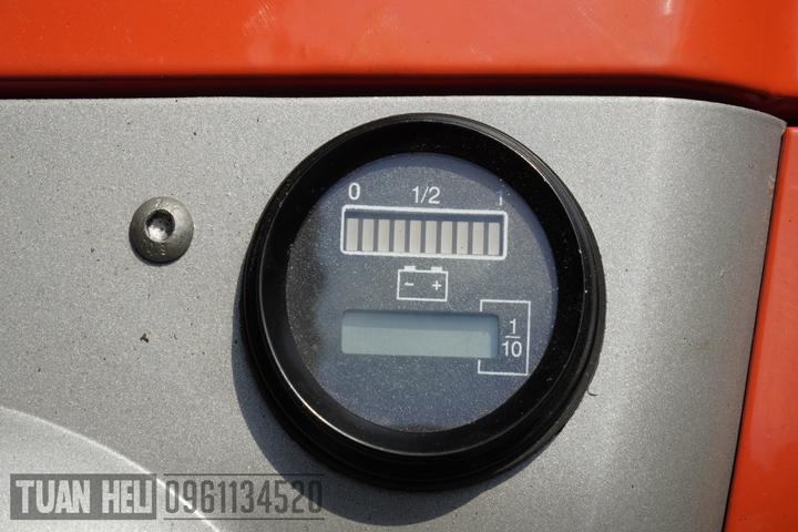 đồng hồ trên xe nâng tay điện heli